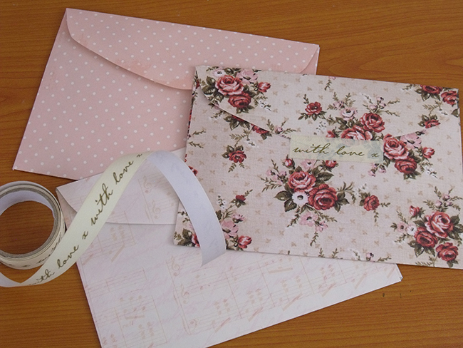 Make your own envelopes with the envelope template from Papermash